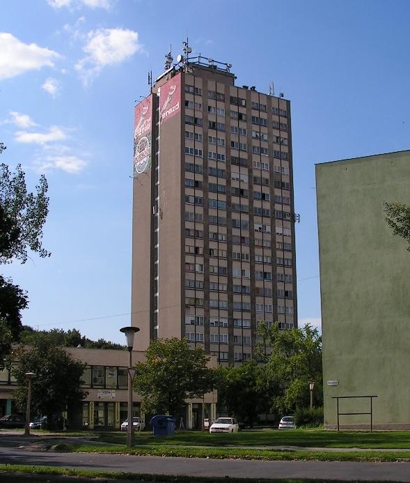 Egy 18 emeletes épület építése